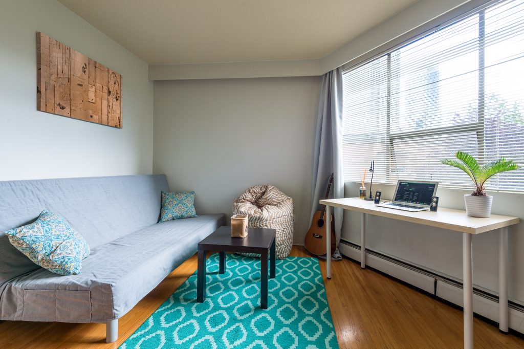 Cozy studio apartment for student living.